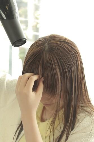 家での髪の乾かし方(ハンドドライ)