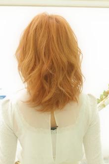 少し個性を主張してみる?アプリコットオレンジカラー【明るめ秋色の髪型】 近藤あみ こんどうあみ