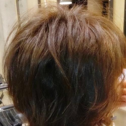 髪が固くて直毛でボリュームが出ない人にふわっと柔らかいパーマを当ててみた