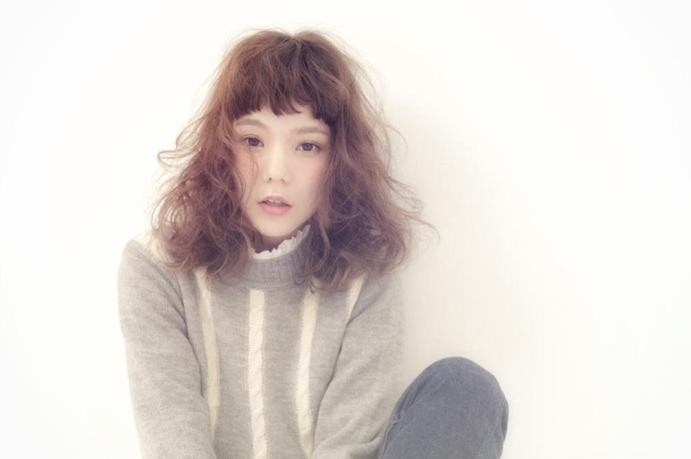 モデル:長澤 メイ × 美容師:若林 紀元(Belle)-
