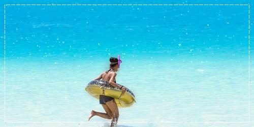 海やプールの後のパサパサゴワゴワ!ヘアケア方法と対処法【美容師のQ&A】