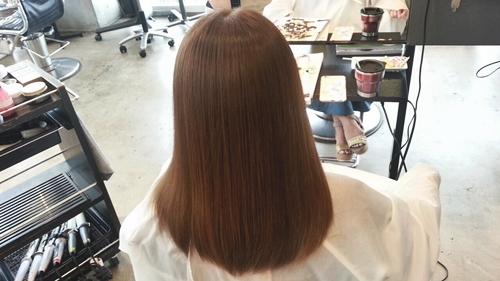 【シナモンベージュカラー】10トーンのほんのり明るい柔らかさが魅力の髪色