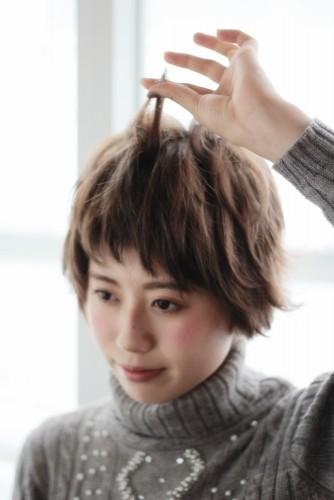 ショートヘアの乾かし方とスタイリング方法【ゆっとふわっと柔らかい髪型を作ろう】16