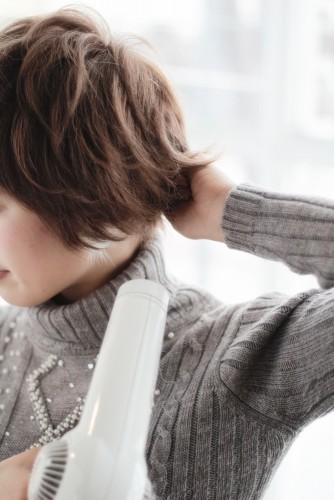 ショートヘアの乾かし方とスタイリング方法【ゆっとふわっと柔らかい髪型を作ろう】13