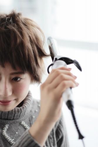 ショートヘアの乾かし方とスタイリング方法【ゆっとふわっと柔らかい髪型を作ろう】15