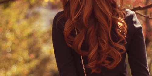 髪を伸ばしている最中でもカットは必要ですか?【美容師のQ&A】