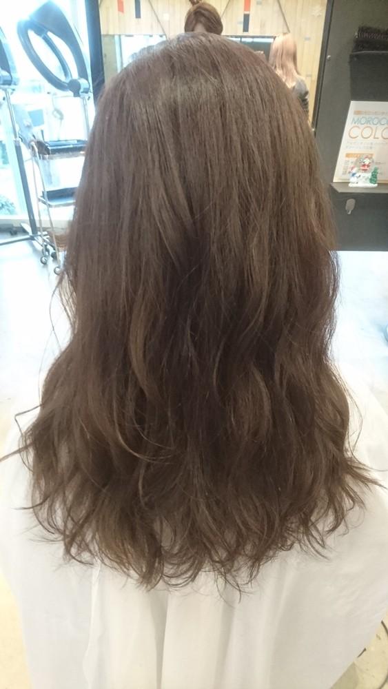 9トーンのチャコールグレーブラウンカラー【彩度低めのマットな質感の髪色】01