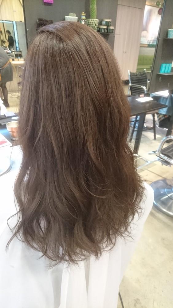 9トーンのチャコールグレーブラウンカラー【彩度低めのマットな質感の髪色】03