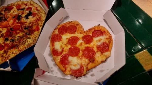 バレンタインピザ最高!02