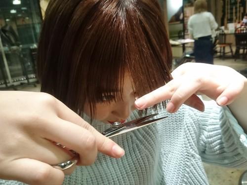 自分で前髪を切るときに注意した方が良いことは何ですか?【美容師のQ&A】21