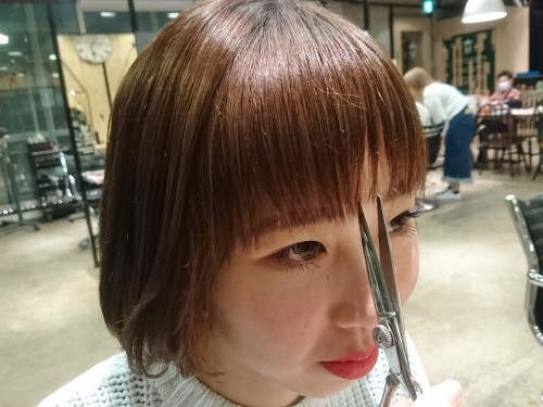 自分で前髪を切るときに注意した方が良いことは何ですか?【美容師のQ&A】27