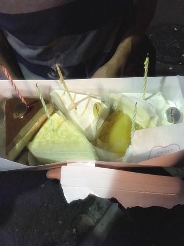 ラブホ街で誕生日ケーキ09