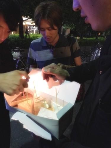 ラブホ街で誕生日ケーキ10