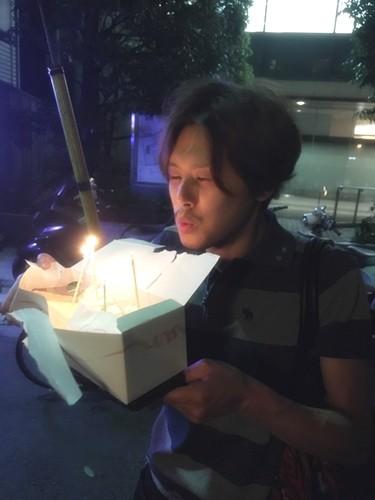ラブホ街で誕生日ケーキ01
