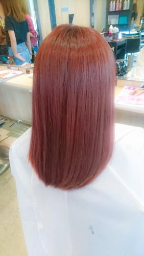 ブリーチ毛にイルミナカラーのコーラル6トーンで染める01