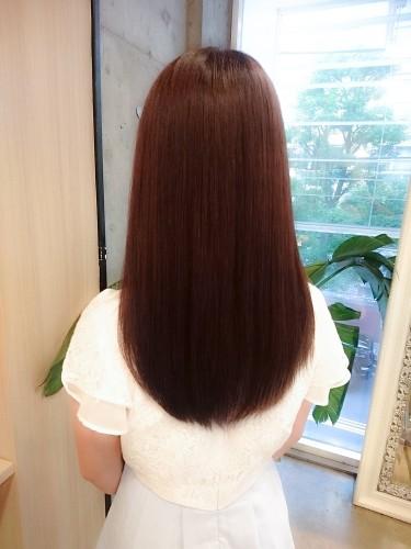 イルミナカラー【ヌード6トーン】ナチュラルなアッシュブラウンの色と品のあるツヤ感3