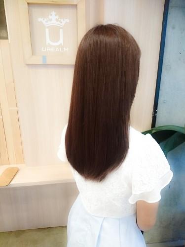 イルミナカラー【ヌード6トーン】ナチュラルなアッシュブラウンの色と品のあるツヤ感2